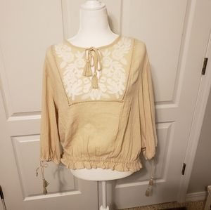 Nwt Lucky brand embroidered cream colored top